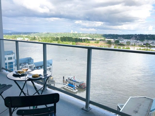 "Main Photo: 1710 988 QUAYSIDE Drive in New Westminster: Quay Condo for sale in ""Riversky2"" : MLS®# R2484608"