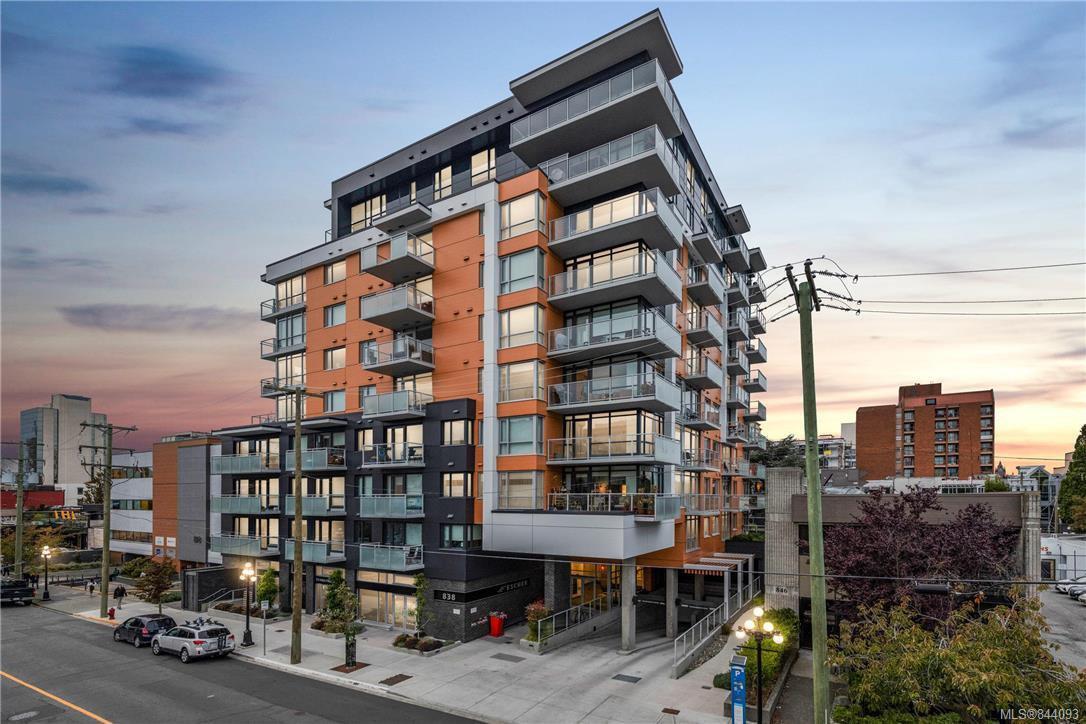Main Photo: 410 838 Broughton St in Victoria: Vi Downtown Condo Apartment for sale : MLS®# 844093