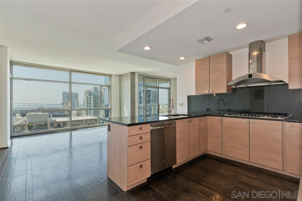 Main Photo: DOWNTOWN Condo for rent : 2 bedrooms : 800 The Mark Ln #1706 in San Diego