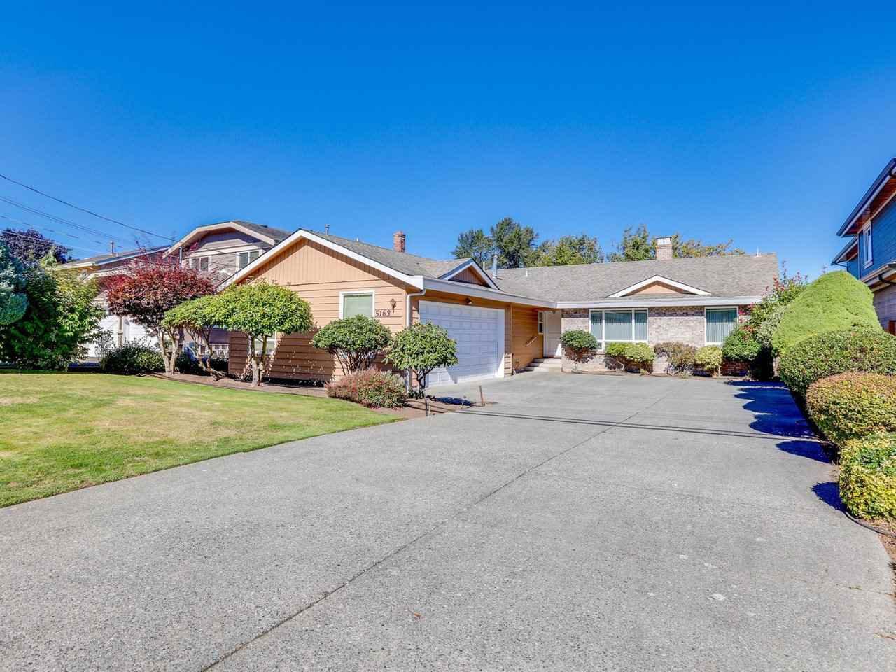 "Main Photo: 5163 2 Avenue in Delta: Pebble Hill House for sale in ""PEBBLE HILL"" (Tsawwassen)  : MLS®# R2504424"