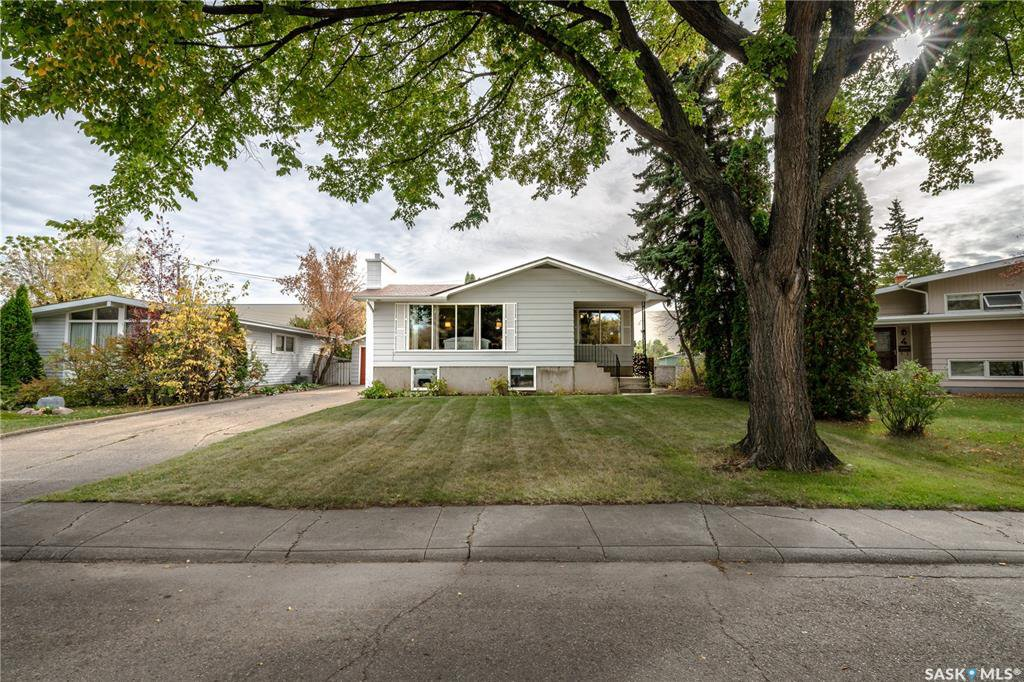 Main Photo: 6 Morton Place in Saskatoon: Greystone Heights Residential for sale : MLS®# SK828159