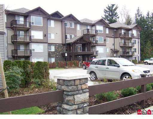 "Main Photo: 2581 LANGDON Street in Abbotsford: Abbotsford West Condo for sale in ""COBBLESTONE"" : MLS®# F2706974"