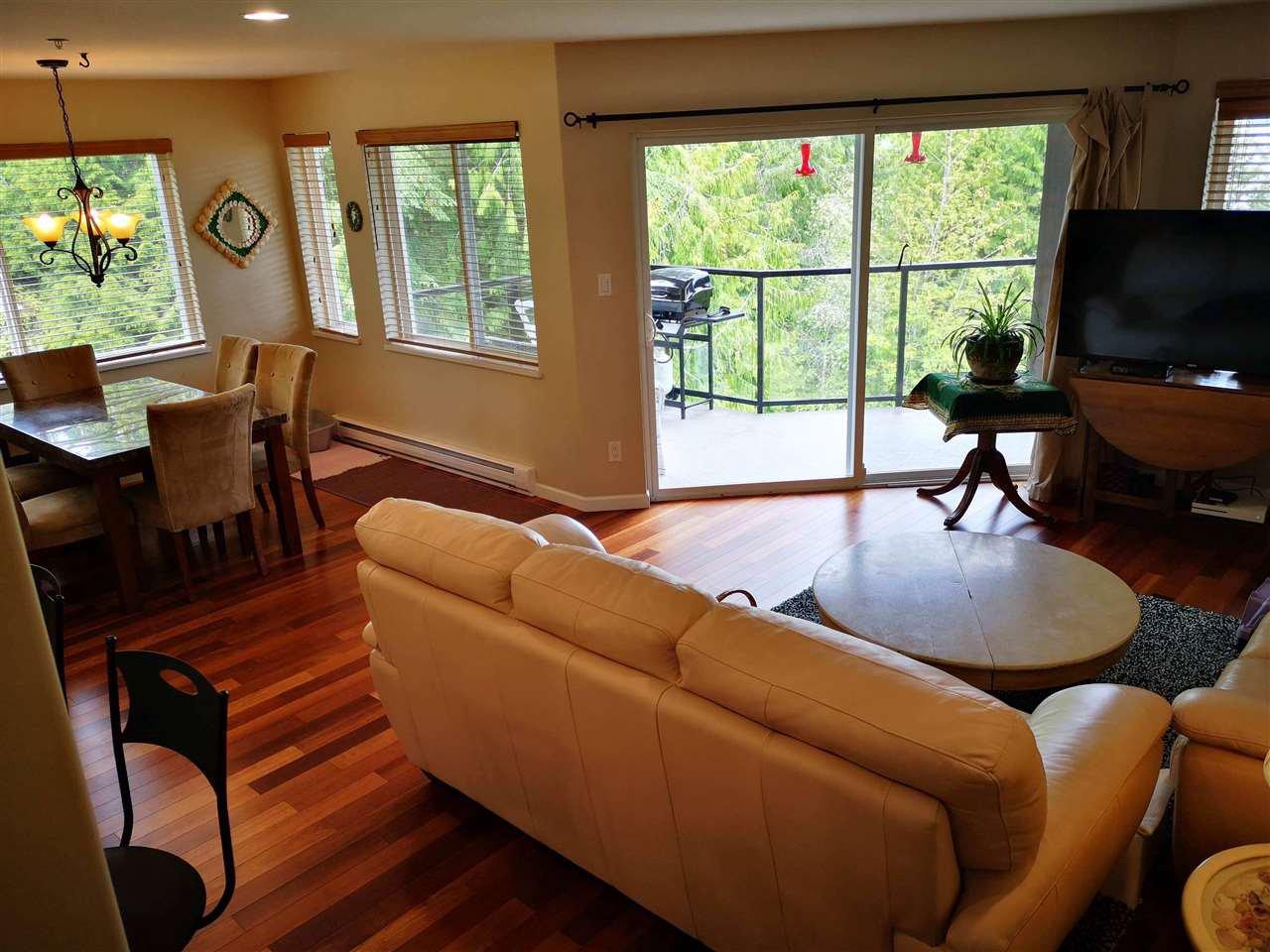 "Photo 3: Photos: W201 5780 TRAIL Avenue in Sechelt: Sechelt District Condo for sale in ""THE BLUFF"" (Sunshine Coast)  : MLS®# R2409652"