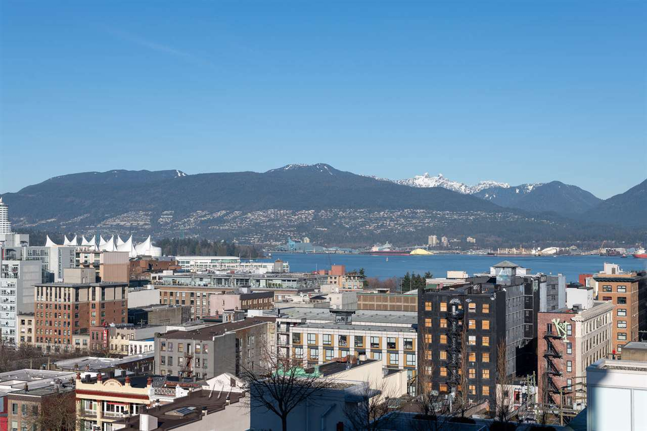 "Main Photo: 1807 188 KEEFER Street in Vancouver: Downtown VE Condo for sale in ""188 Keefer"" (Vancouver East)  : MLS®# R2453086"