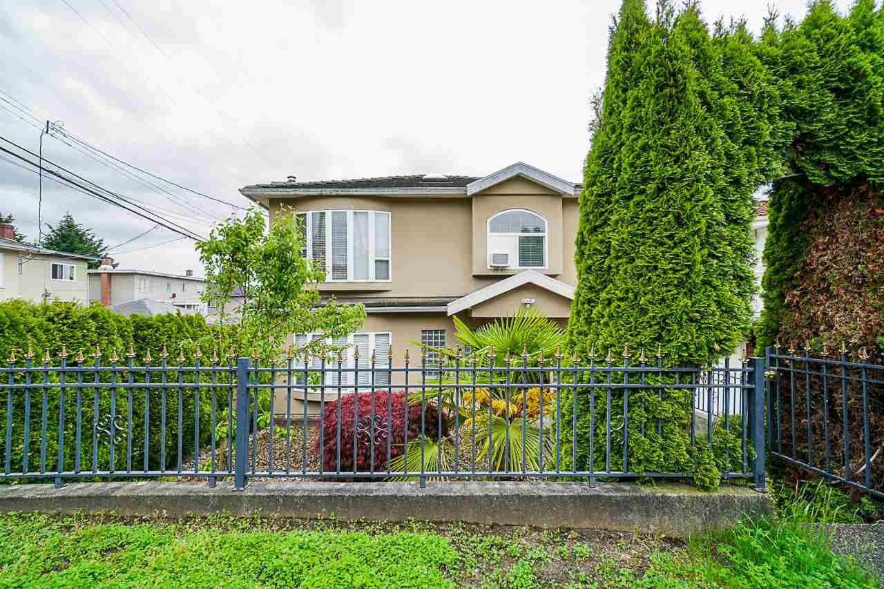 Main Photo: 180 E 62ND Avenue in Vancouver: South Vancouver House for sale (Vancouver East)  : MLS®# R2456911