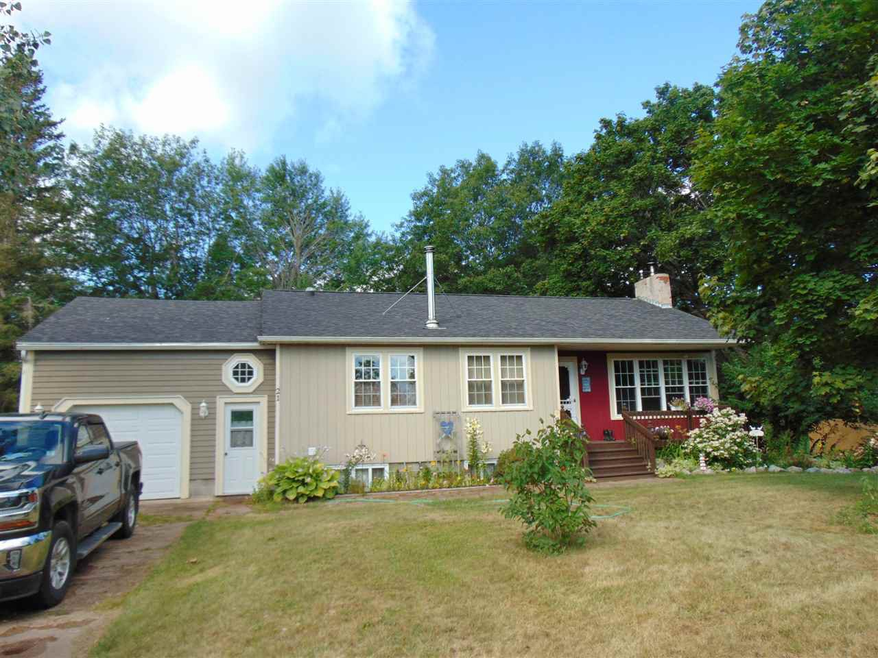 Main Photo: 21 Brockville Street in East Kingston: 404-Kings County Residential for sale (Annapolis Valley)  : MLS®# 202015777