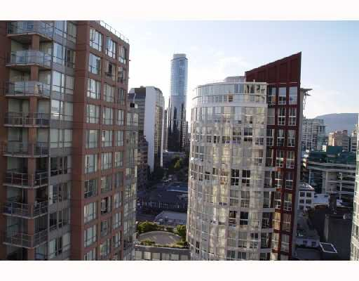 "Photo 2: Photos: 2202 969 RICHARDS Street in Vancouver: Downtown VW Condo for sale in ""MONDRIAN"" (Vancouver West)  : MLS®# V666095"