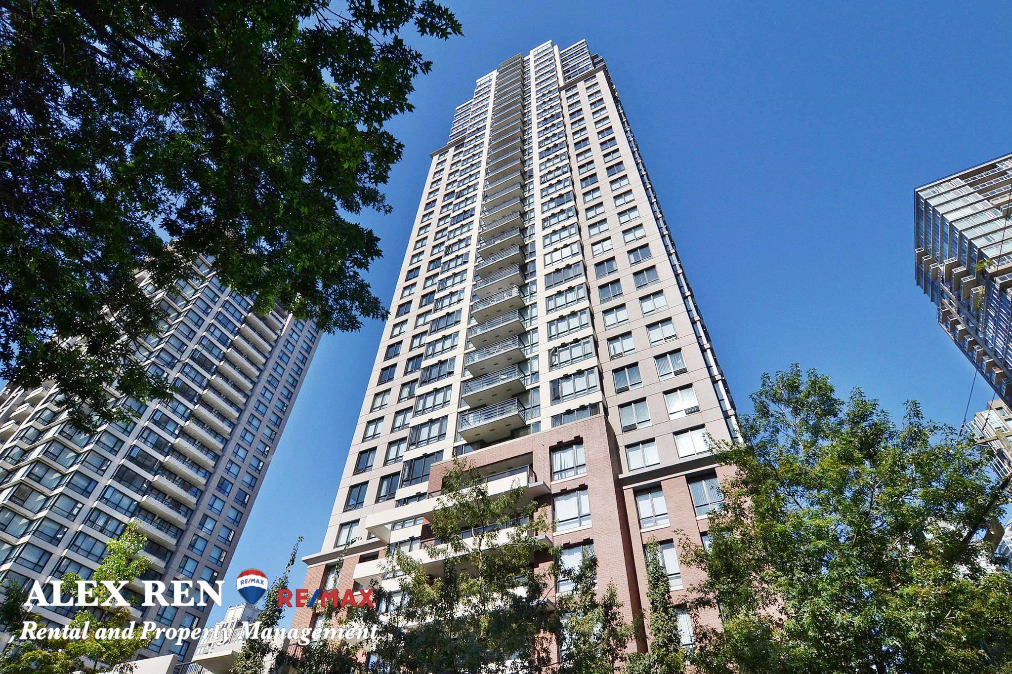 Main Photo:  in Vancouver: Downtown Condo for rent : MLS®# AR009