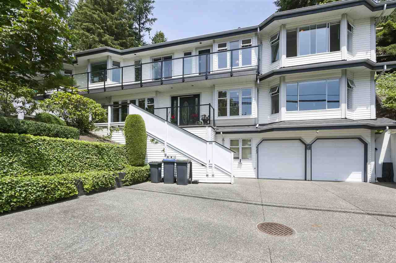 Main Photo: 923 IOCO Road in Port Moody: Barber Street House for sale : MLS®# R2470902