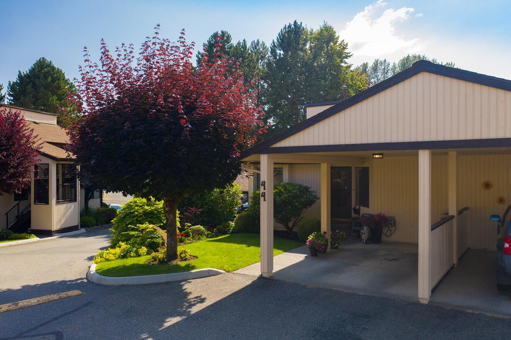 "Main Photo: 44 2962 NELSON Place in Abbotsford: Central Abbotsford Townhouse for sale in ""Willband Creek"" : MLS®# R2475236"