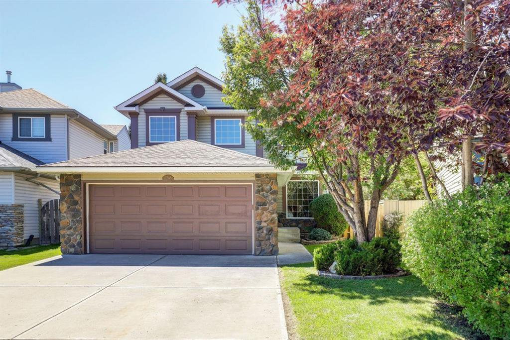 Main Photo: 252 HIDDEN VALLEY Grove NW in Calgary: Hidden Valley Detached for sale : MLS®# A1018156