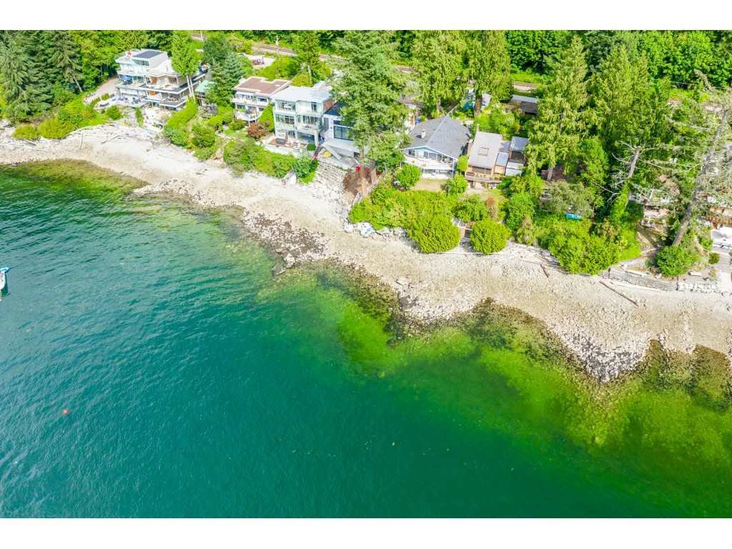 "Main Photo: 51 BRUNSWICK BEACH Road: Lions Bay House for sale in ""Brunswick Beach"" (West Vancouver)  : MLS®# R2514831"