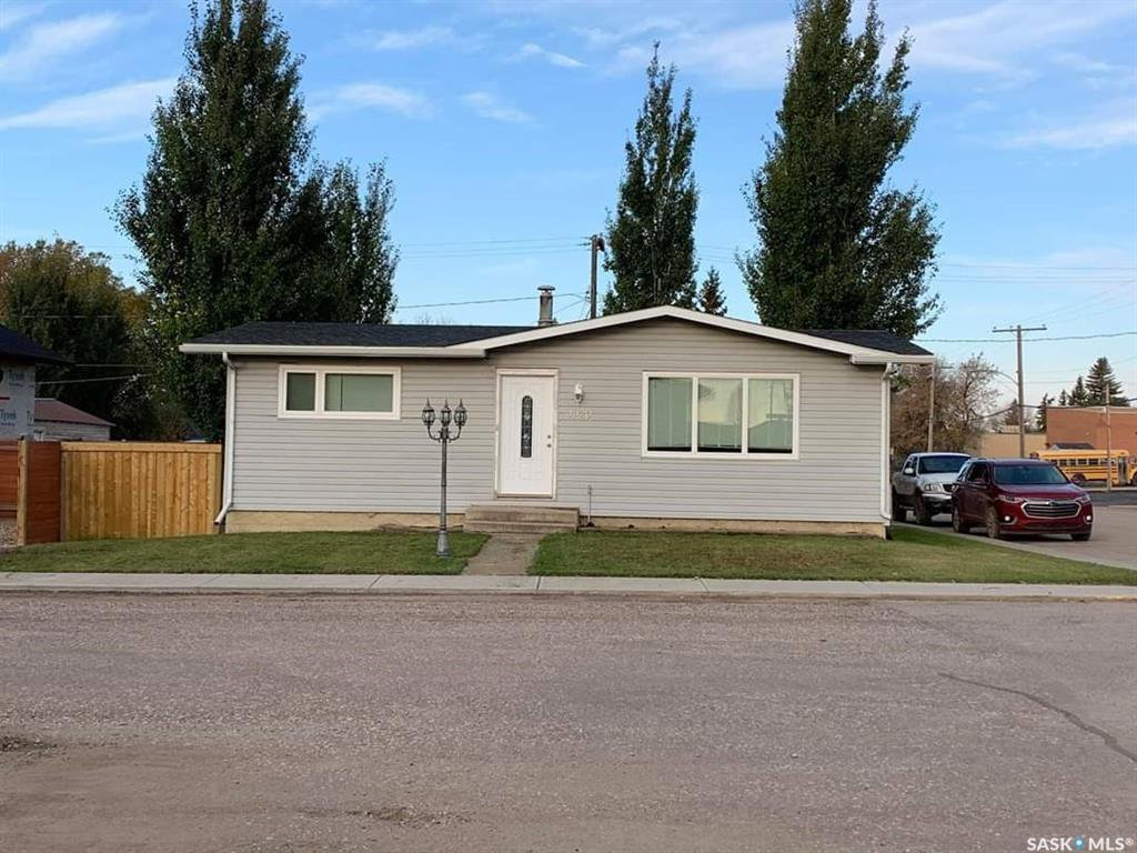 Main Photo: 4920 Post Street in Macklin: Residential for sale : MLS®# SK838910