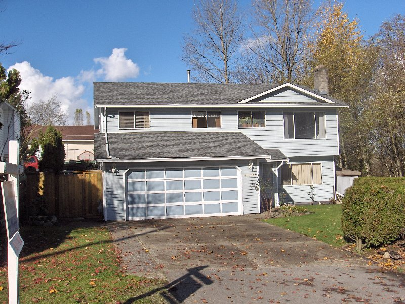 Main Photo: 11175 ELLENDALE Drive in Surrey: Bolivar Heights House for sale (North Surrey)  : MLS®# F2729067