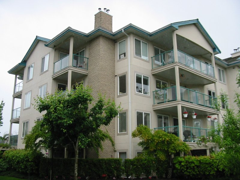 """Main Photo: 20443 53RD Ave in Langley: Langley City Condo for sale in """"Countryside Estates"""" : MLS®# F2704562"""