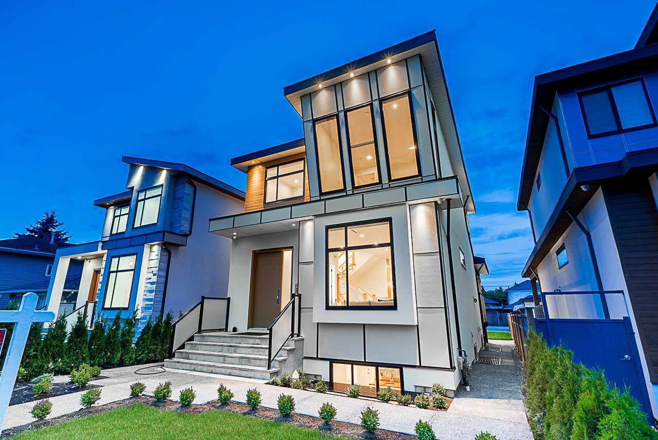 Main Photo: 8023 16TH AVENUE in Burnaby: East Burnaby House for sale (Burnaby East)  : MLS®# R2436305