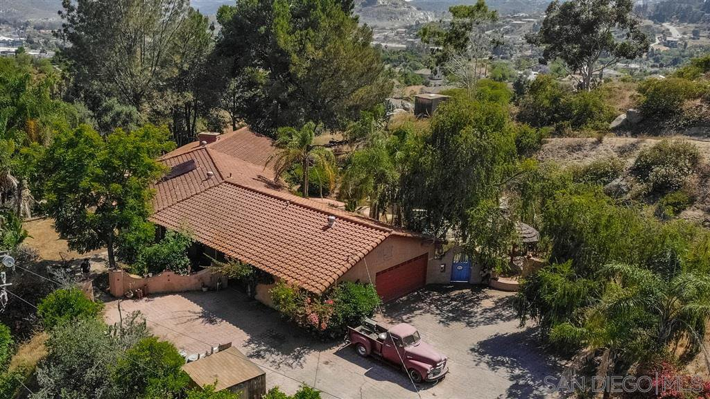 Main Photo: RANCHO SAN DIEGO House for sale : 4 bedrooms : 1766 Treseder Circle in El Cajon