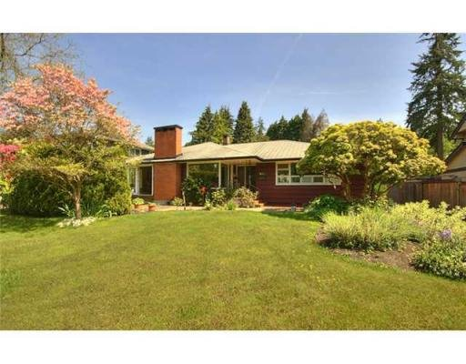 Main Photo: 635 BURLEY DR in West Vancouver: House for sale : MLS®# V829621