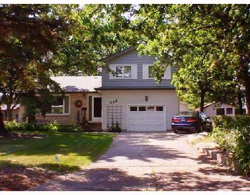 Main Photo: 248 PARKVILLE Bay in WINNIPEG: St Vital Single Family Detached for sale (South East Winnipeg)  : MLS®# 2713978