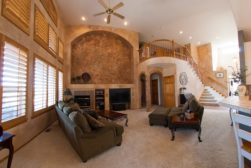 Photo 6: Photos: 6399 Saddle Rock Trail in Aurora: Residential Detached for sale : MLS®# 908338