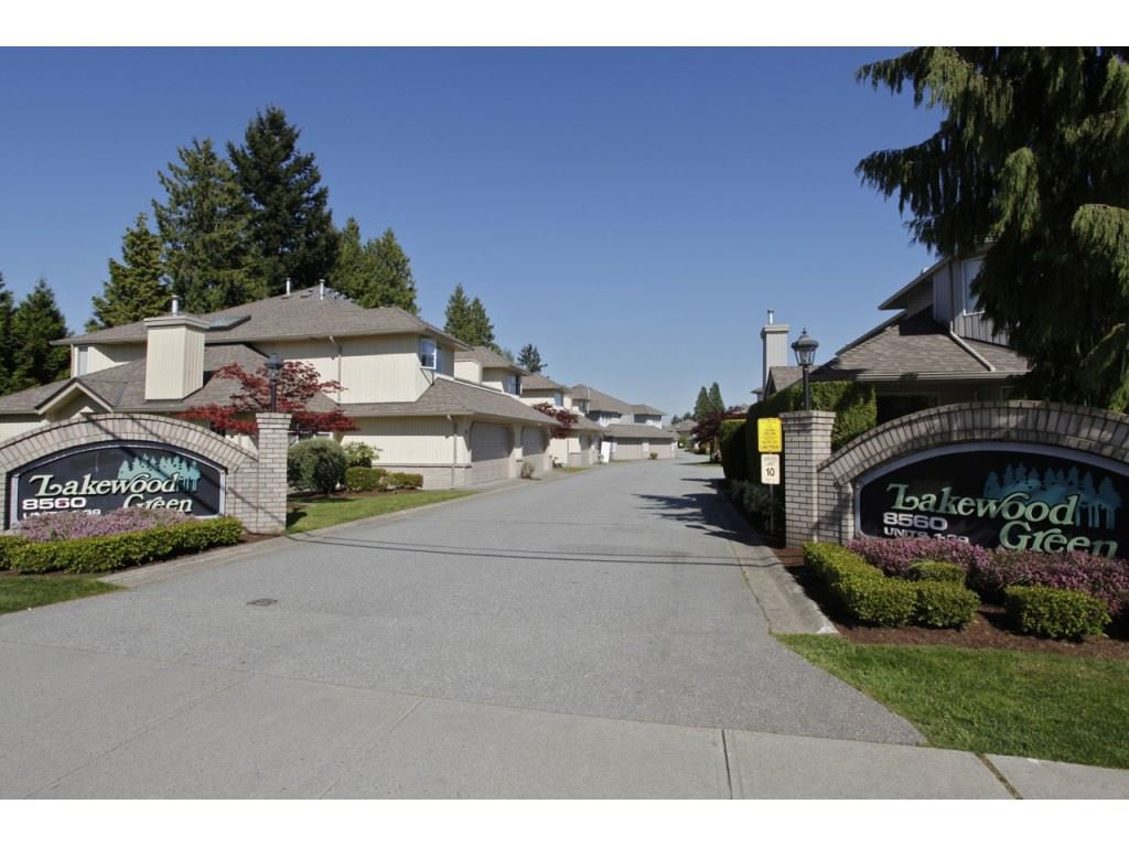"Main Photo: 52 8560 162 Street in Surrey: Fleetwood Tynehead Townhouse for sale in ""Lakewood Green"" : MLS®# R2425227"