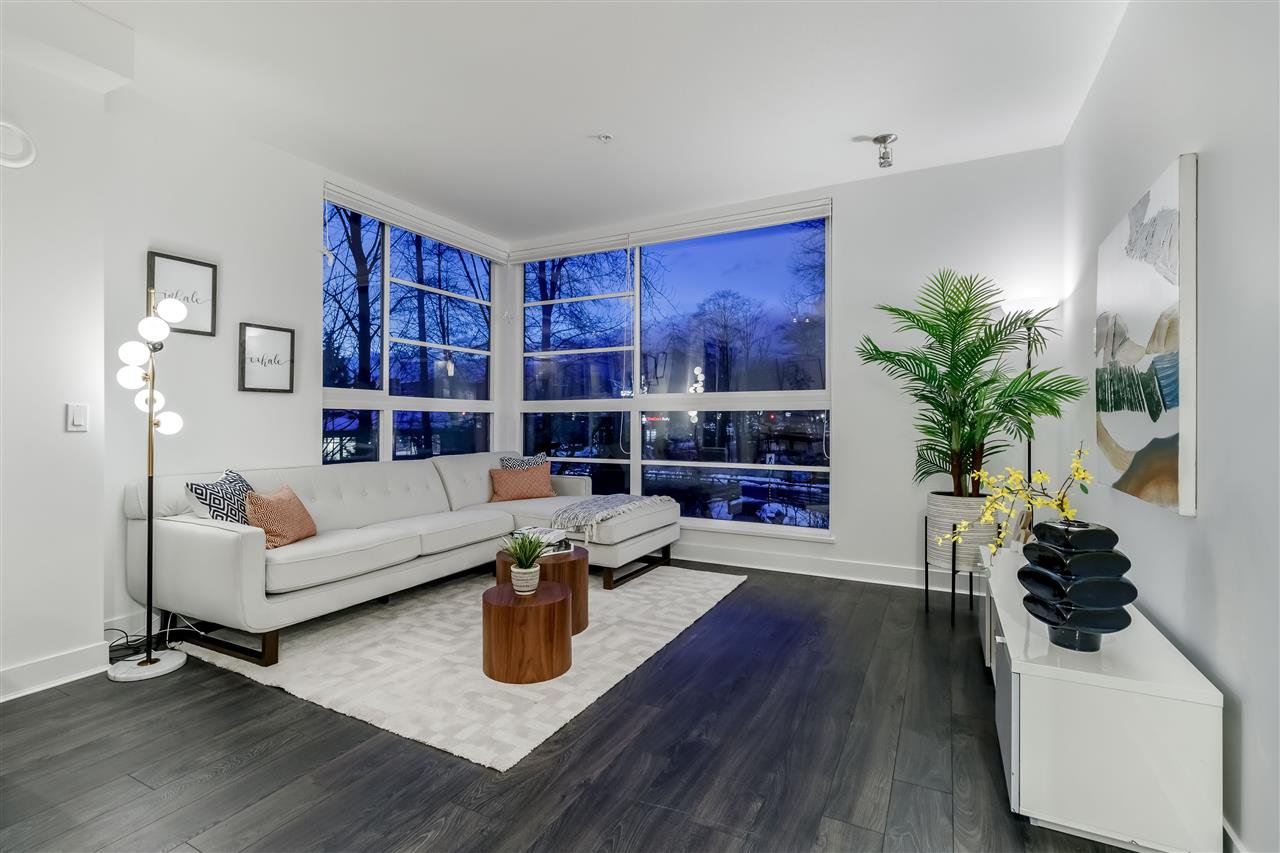 "Main Photo: 307 733 W 3RD Street in North Vancouver: Harbourside Condo for sale in ""THE SHORE"" : MLS®# R2430093"