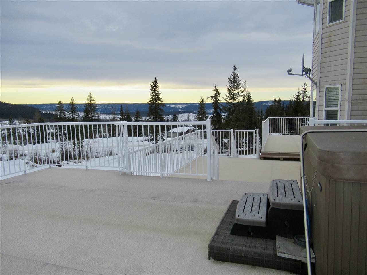 """Photo 15: Photos: 2911 PROSPECTOR Road: 150 Mile House House for sale in """"FRONTIER ESTATES"""" (Williams Lake (Zone 27))  : MLS®# R2430378"""