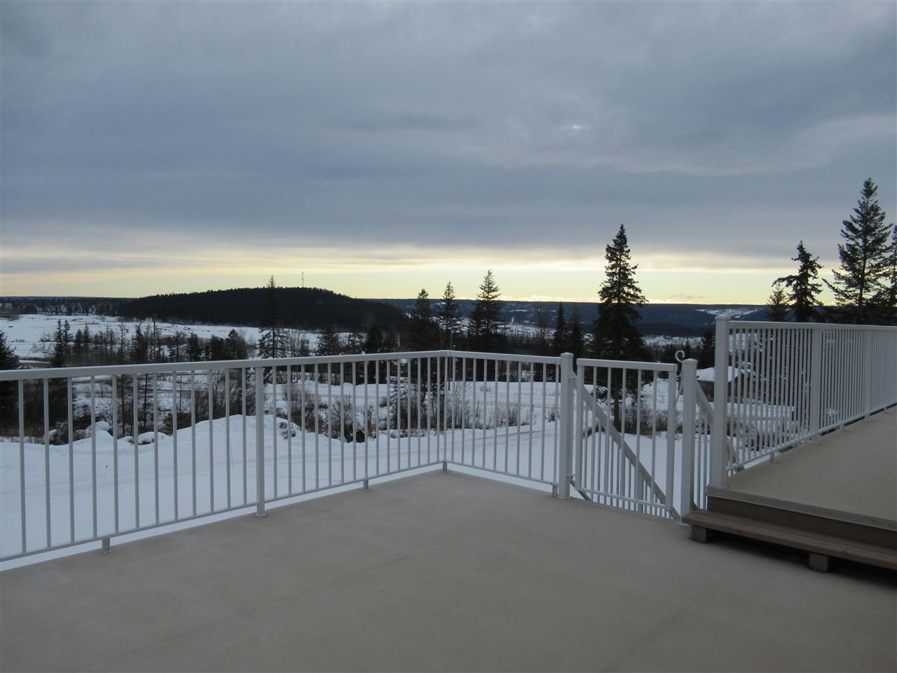 """Photo 12: Photos: 2911 PROSPECTOR Road: 150 Mile House House for sale in """"FRONTIER ESTATES"""" (Williams Lake (Zone 27))  : MLS®# R2430378"""