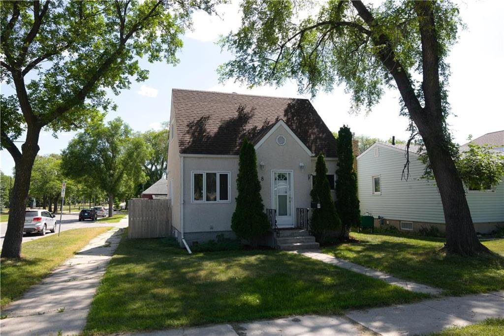 Main Photo: 8 Arnold Avenue in Winnipeg: Riverview Residential for sale (1A)  : MLS®# 202019175