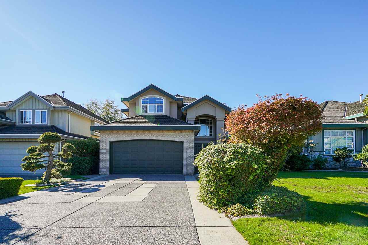 Main Photo: 6055 125A Street in Surrey: Panorama Ridge House for sale : MLS®# R2503823