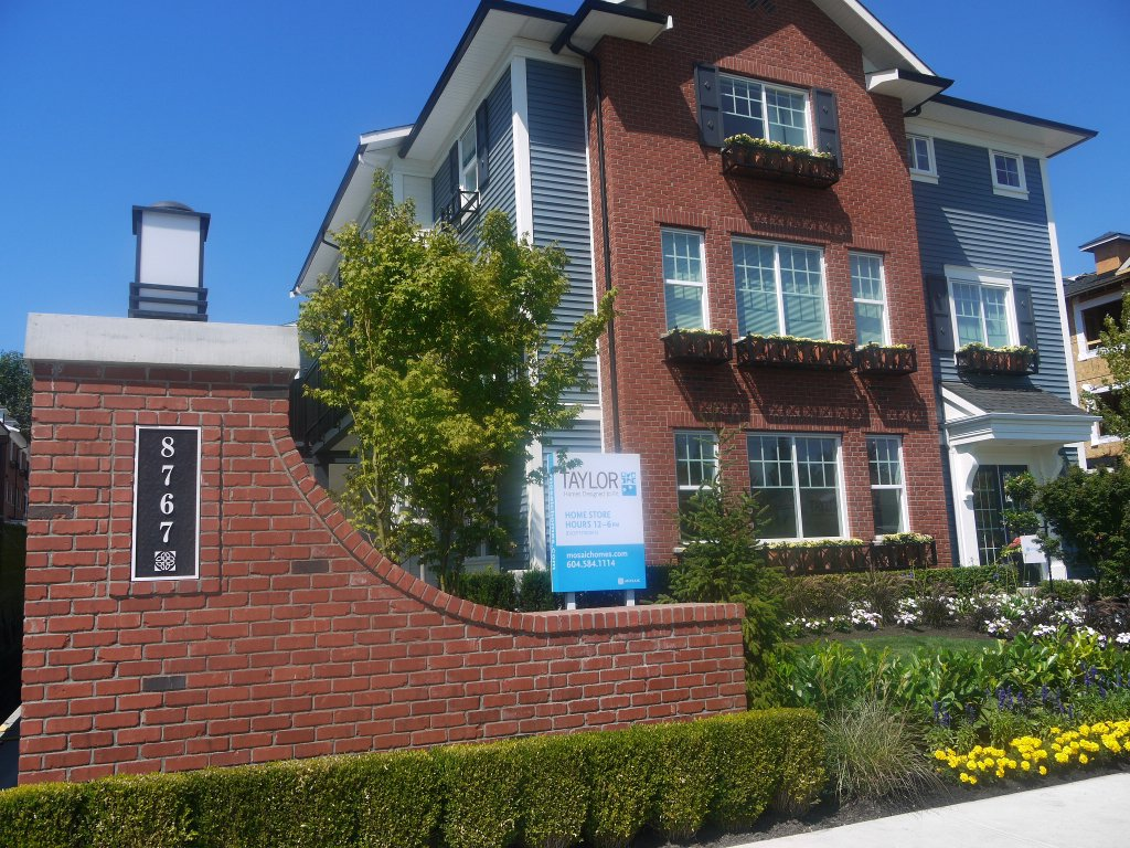 "Main Photo: 26 8767 162nd Street in Surrey: Fleetwood Tynehead Condo for sale in ""Taylor"""