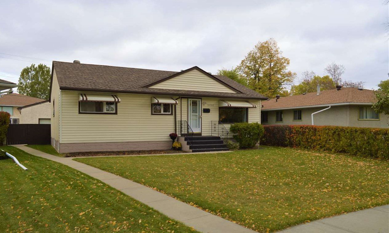 Main Photo: 10707 145 Street in Edmonton: Zone 21 House for sale : MLS®# E4176563
