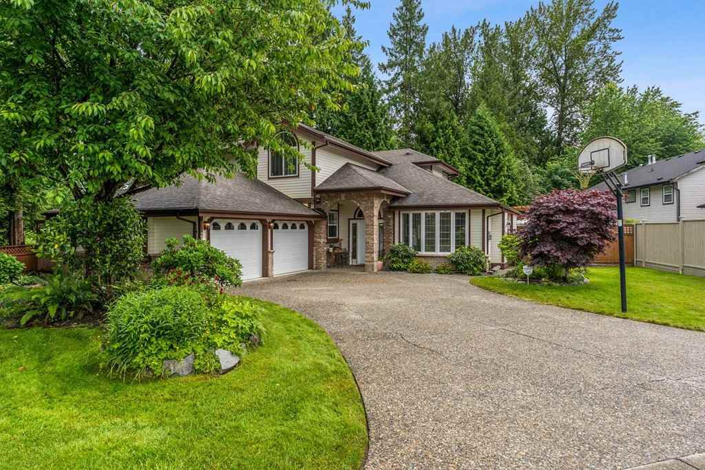 Main Photo: 23706 119 Avenue in Maple Ridge: Cottonwood MR House for sale : MLS®# R2465363