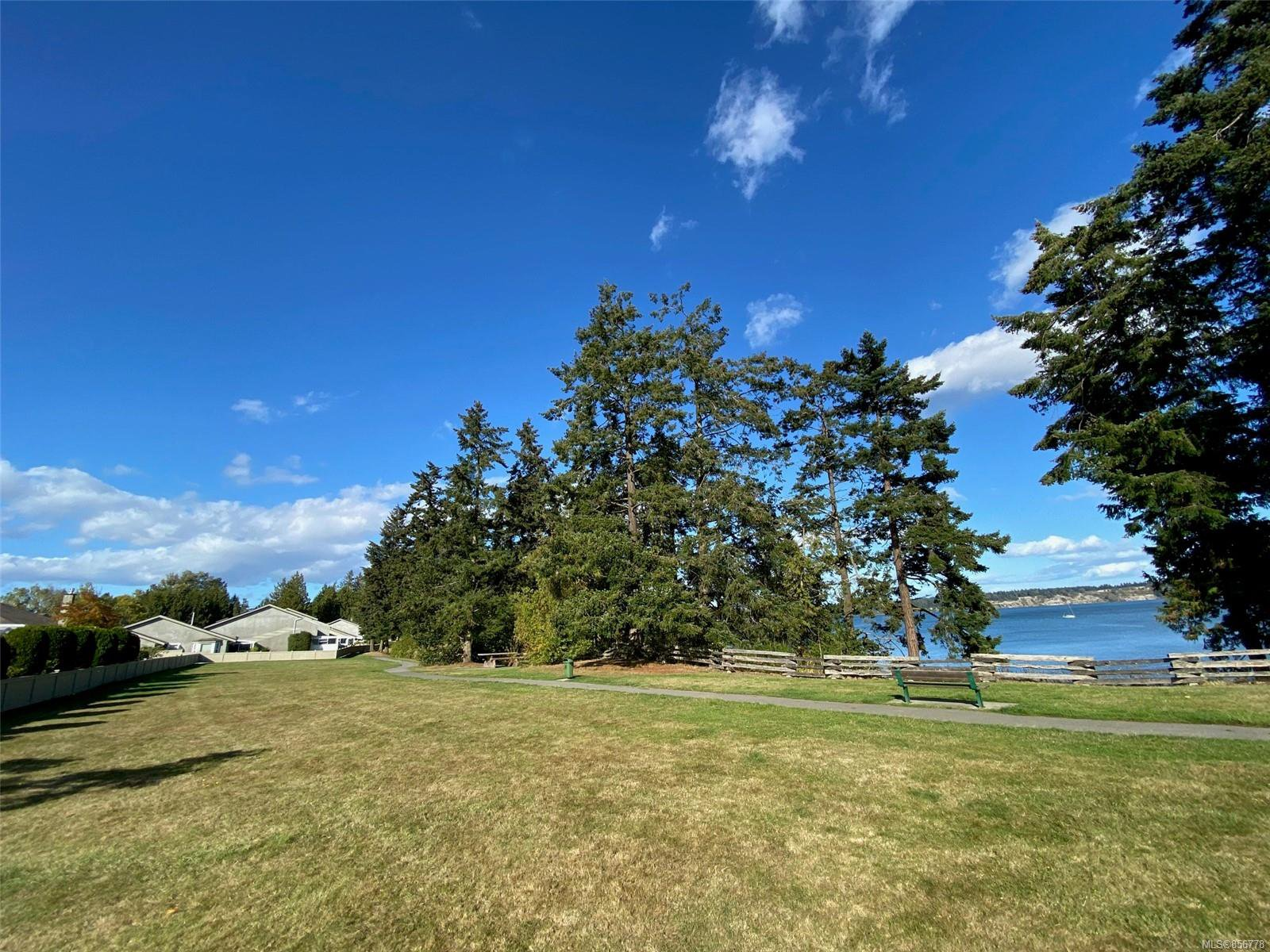 Photo 31: Photos: 48 2600 Ferguson Rd in : CS Turgoose Row/Townhouse for sale (Central Saanich)  : MLS®# 856778