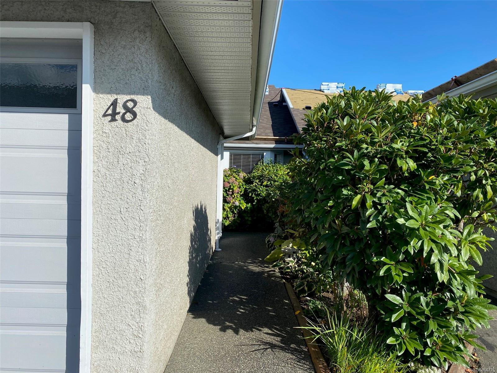 Photo 3: Photos: 48 2600 Ferguson Rd in : CS Turgoose Row/Townhouse for sale (Central Saanich)  : MLS®# 856778