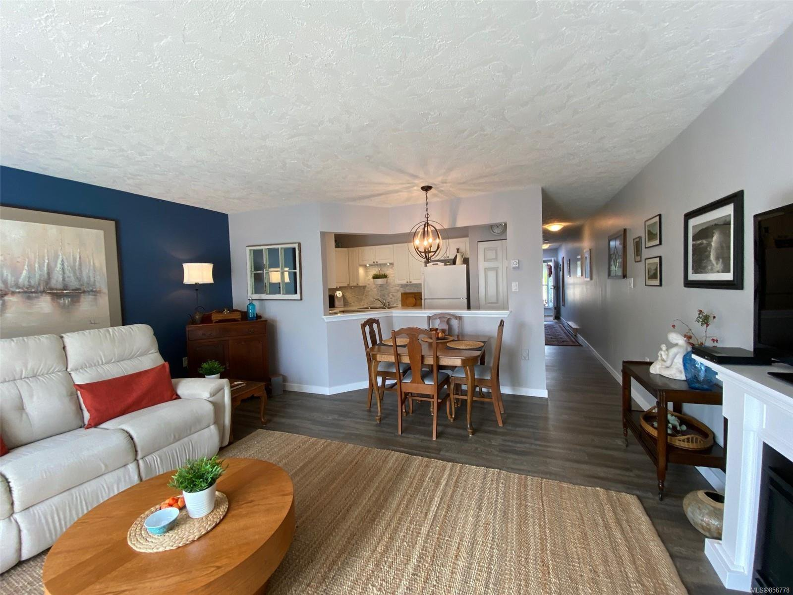 Photo 10: Photos: 48 2600 Ferguson Rd in : CS Turgoose Row/Townhouse for sale (Central Saanich)  : MLS®# 856778