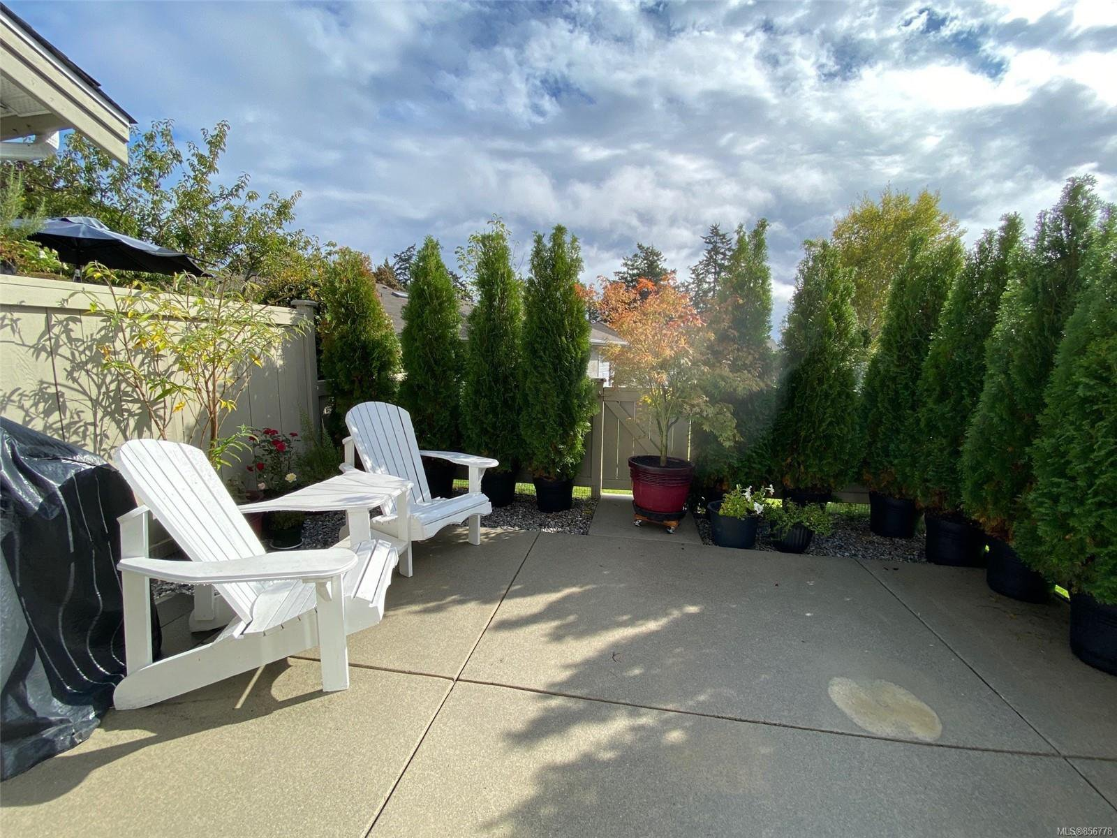 Photo 1: Photos: 48 2600 Ferguson Rd in : CS Turgoose Row/Townhouse for sale (Central Saanich)  : MLS®# 856778