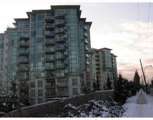 "Main Photo: 2733 CHANDLERY Place in Vancouver: Fraserview VE Condo for sale in ""RIVERDANCE"" (Vancouver East)  : MLS®# V639504"