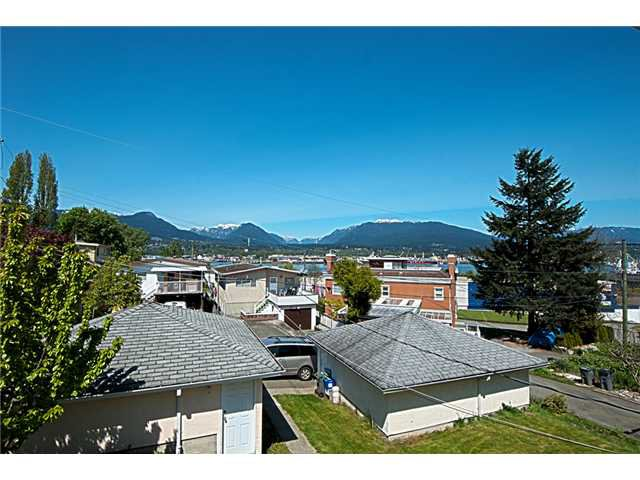 Photo 2: Photos: 2973 MCGILL ST in Vancouver: Hastings East House for sale (Vancouver East)  : MLS®# V890163