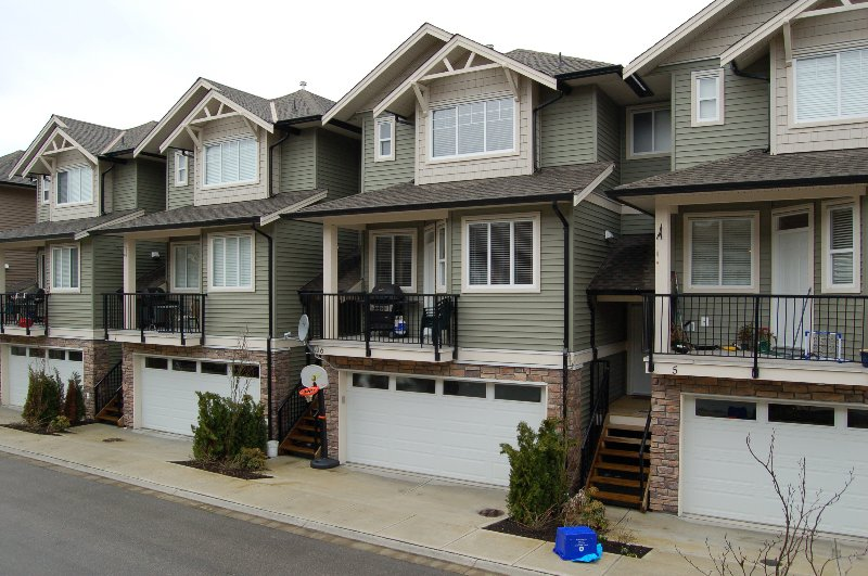 Main Photo: 6 11720 Cottonwood Drive in Maple Ridge: Cottonwood MR Townhouse for sale