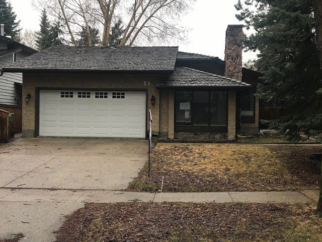 Main Photo: 31 BERRYMORE Drive: St. Albert House for sale : MLS®# E4193172