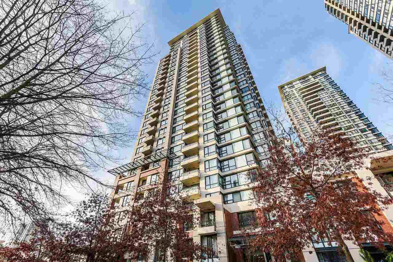 """Main Photo: 1502 977 MAINLAND Street in Vancouver: Yaletown Condo for sale in """"Yaletown Park 3"""" (Vancouver West)  : MLS®# R2396486"""