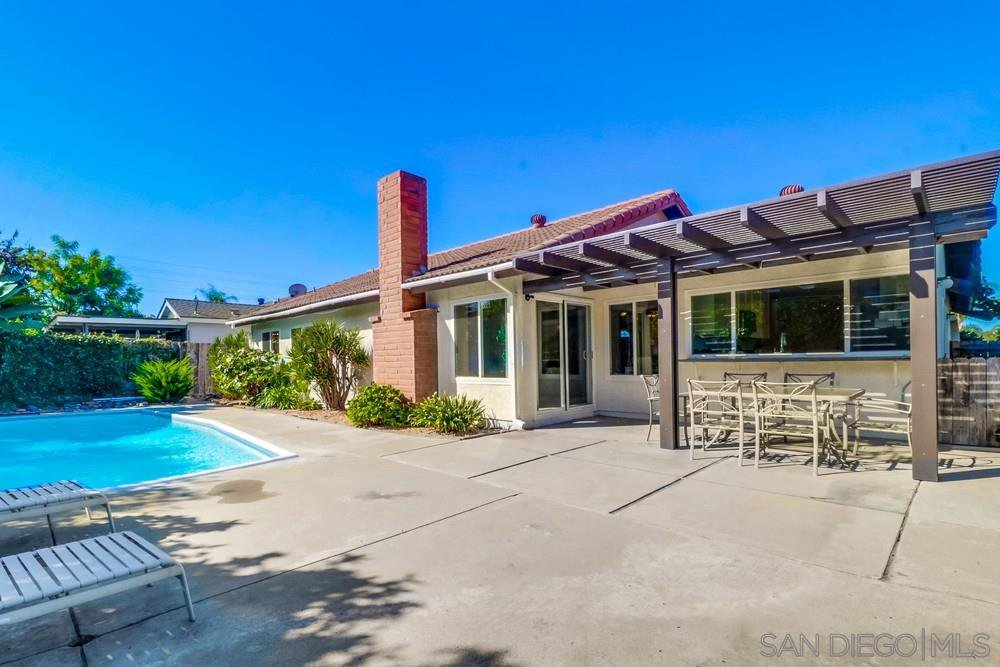 Main Photo: SAN CARLOS House for sale : 3 bedrooms : 6223 Lake Shore