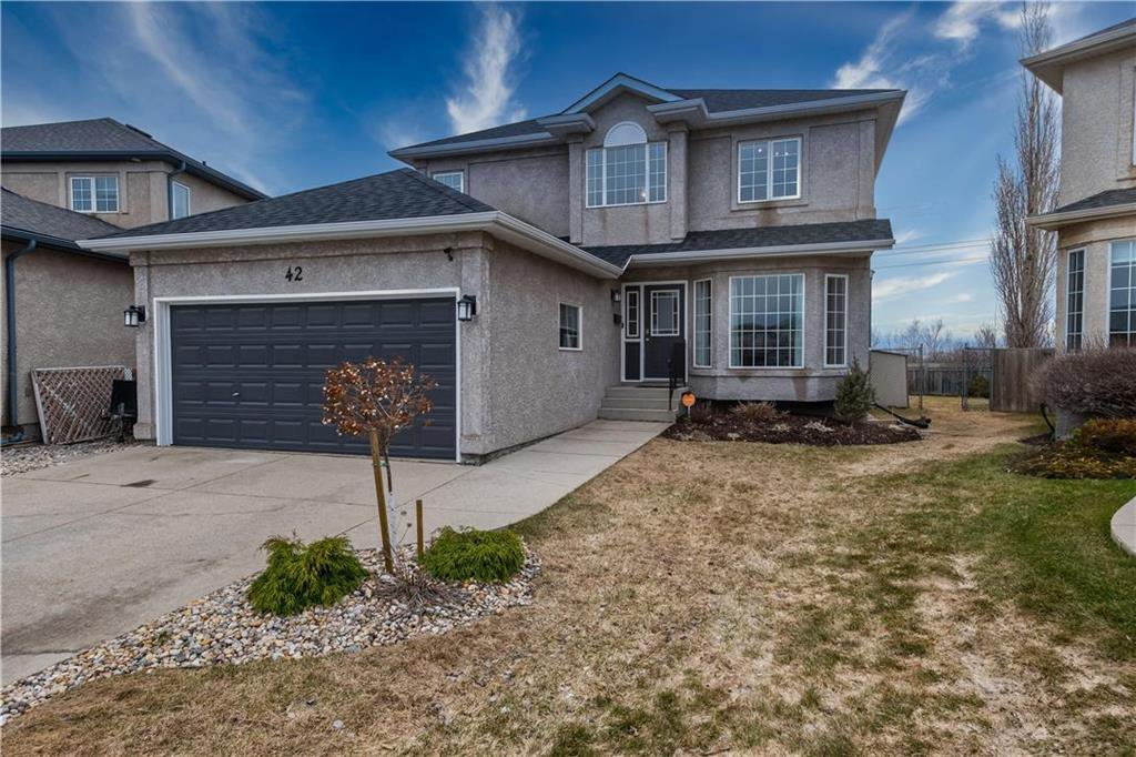 Main Photo: 42 Knightswood Court in Winnipeg: Whyte Ridge Residential for sale (1P)  : MLS®# 202008618
