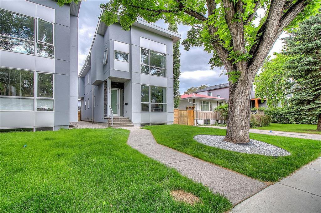 Main Photo: 627 36 Street SW in Calgary: Spruce Cliff Detached for sale : MLS®# C4303307
