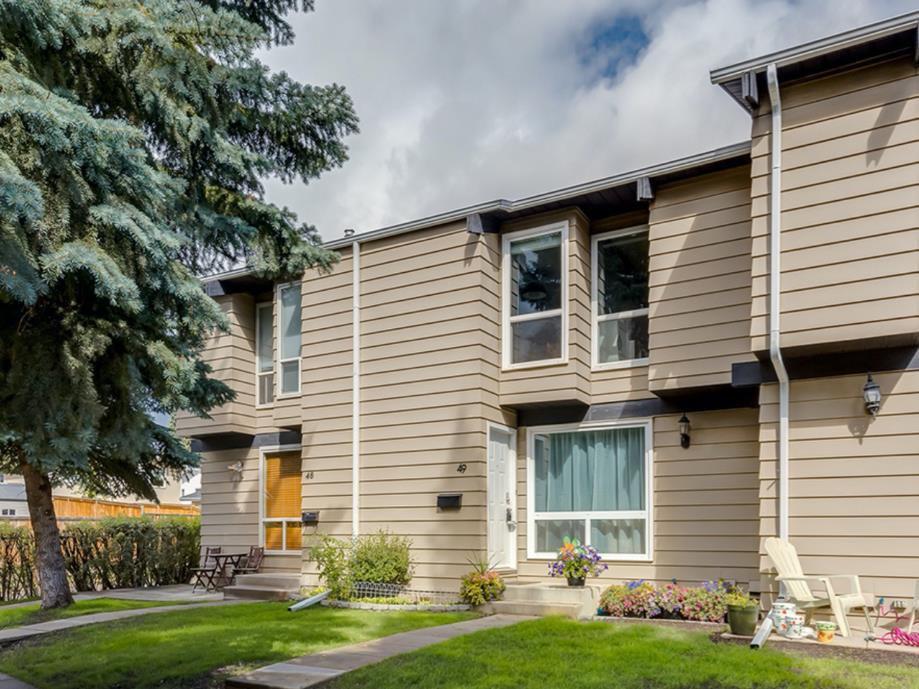 Main Photo: 49 7205 4 Street NE in Calgary: Huntington Hills Row/Townhouse for sale : MLS®# A1031333