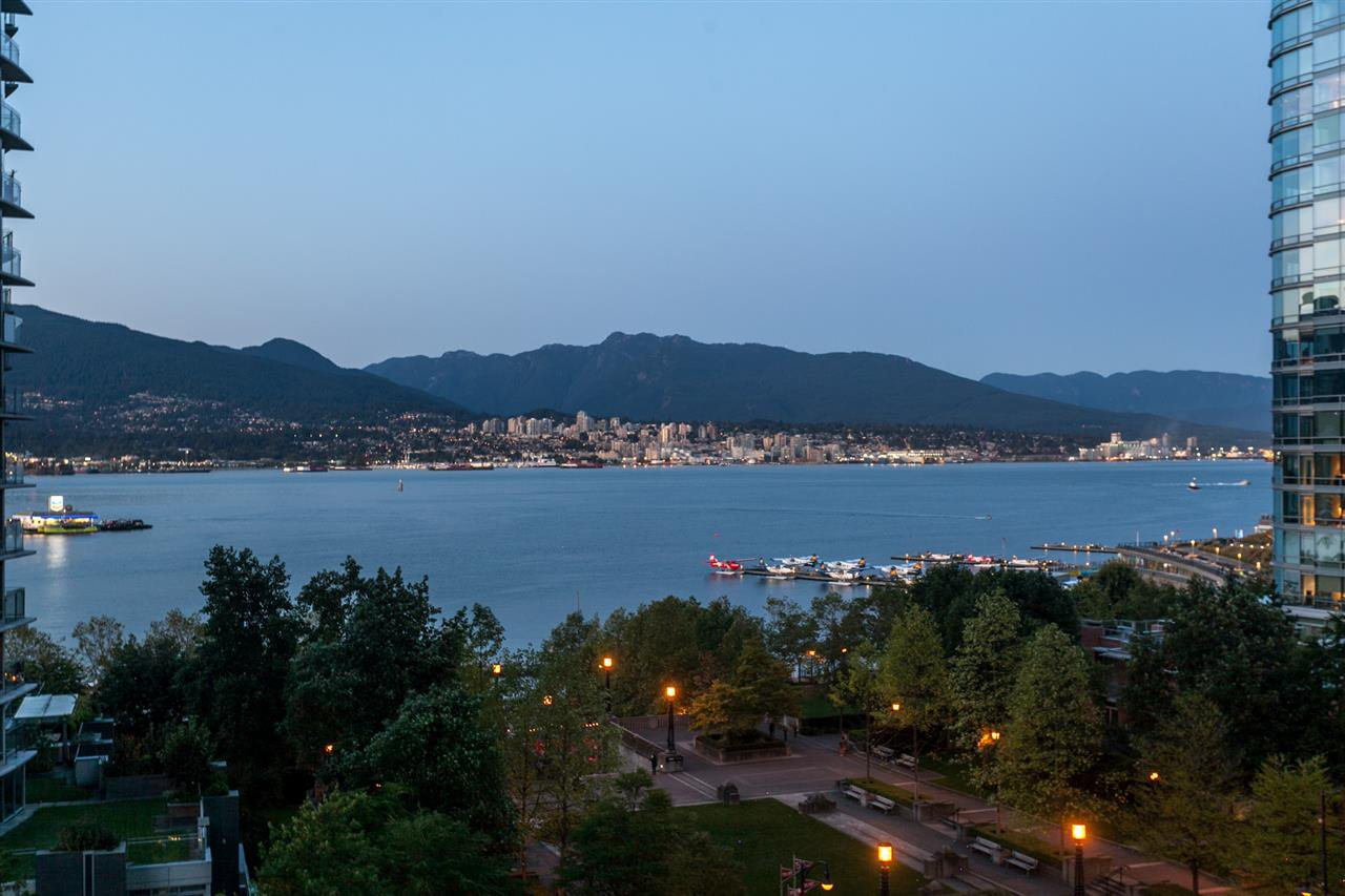 Main Photo: 904 1205 W HASTINGS STREET in : Coal Harbour Condo for sale : MLS®# R2202374