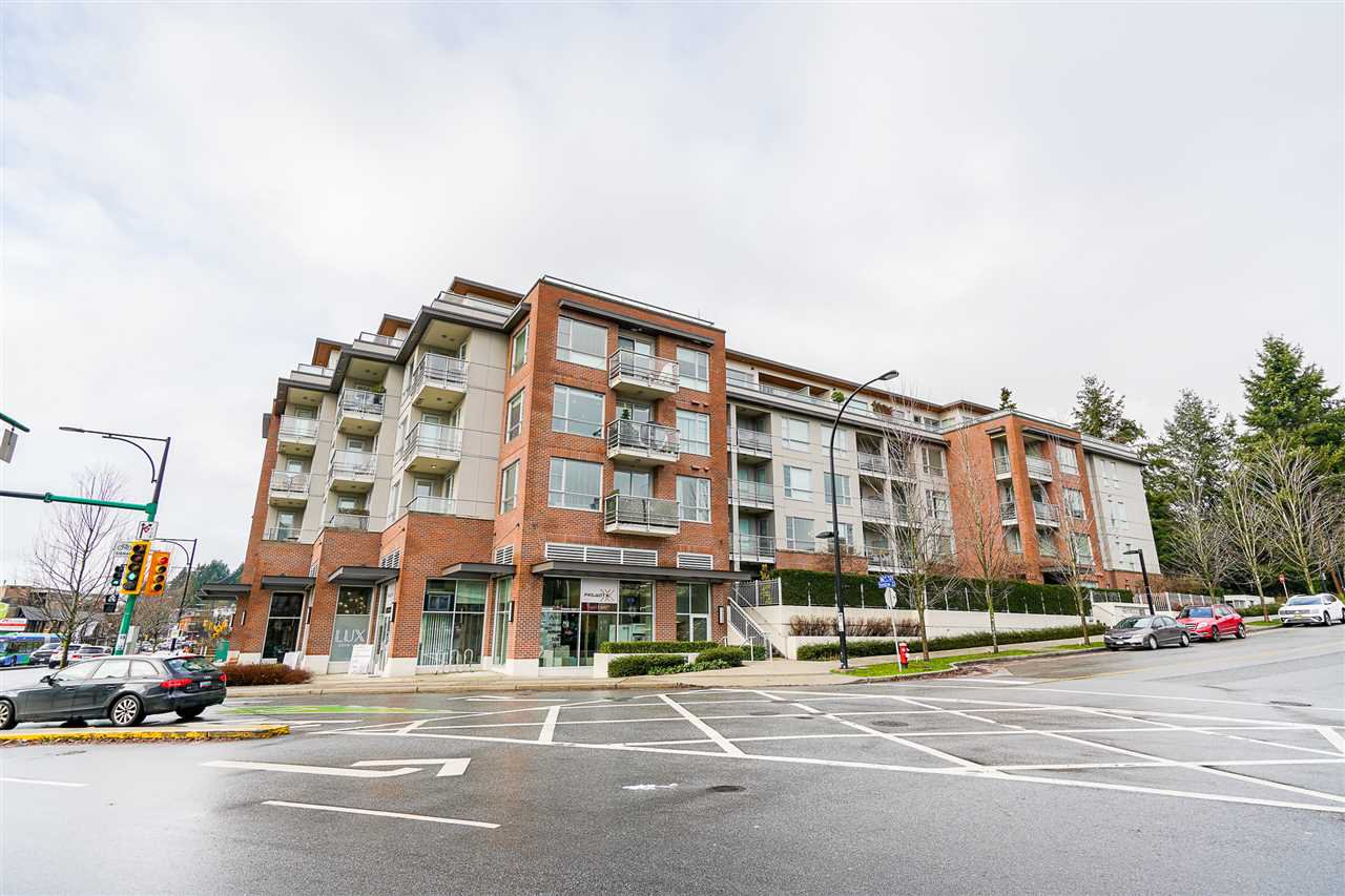 """Main Photo: 211 1621 HAMILTON Avenue in North Vancouver: Mosquito Creek Condo for sale in """"Heywood on the Park"""" : MLS®# R2524600"""
