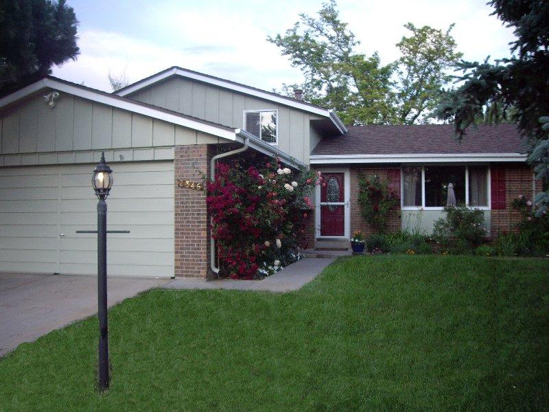 Main Photo: 2346 S. Lansing Street in Aurora: Eastridge House for sale (AUS)  : MLS®# 745089