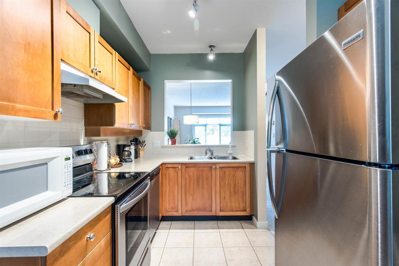 Photo 10: Photos: 244 15 SIXTH Avenue in New Westminster: GlenBrooke North Townhouse for sale : MLS®# R2458563